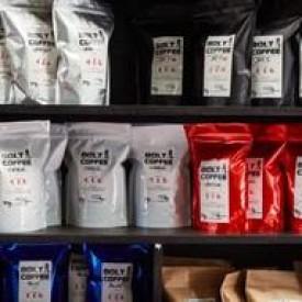Photo of cafe Bolt Coffee Roasters taken by richartj